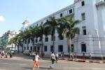Bilde av rådhuset.