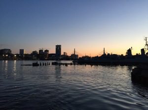 Boston skyline i solnedgang.